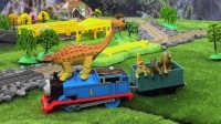 【奇趣箱】托马斯小火车在多多岛发现了好多恐龙蛋,小朋友们和托马斯一起拆拆看有什么惊喜吧!