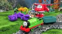 【奇趣箱】托马斯小火车和超级飞侠乐迪一起拆橡皮泥,猜猜他们拆出了什么好玩的玩具(第一集)