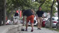 【JokeTV社会实验第9期】中国街头抢乞丐钱,你会冷眼旁观还是挺身而出?#社会实验#
