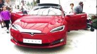 Tesla 特斯拉 惊现商场