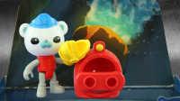 白白侠玩具秀:【海底小纵队】巴克队长和隔热服