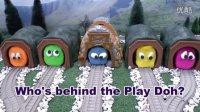 托马斯小火车 托马斯被培乐多盖住了 培西 詹姆士 板牙 趣味玩具视频