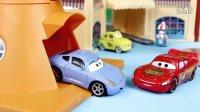 赛车总动员之闪电麦昆的新赛道 组装玩具套装