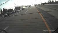 惊险瞬间 实拍美国大货车失控连撞七车