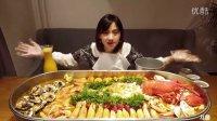 大胃王密子君直播吃海鲜大餐 密子君组队饲养员20161024