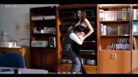 现在的学生好大胆 在办公室就搂抱漂亮的女老师