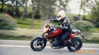 【车型实拍】2016款KTM 690 DUKE 骑士网动态骑行实拍