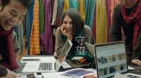 [牦牛绒围巾工艺短片]美国女孩藏区十年冒险,教你如何用牦牛绒做围巾