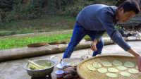 一个竹圈和锅铲居然可以将红薯整成这样一道美食