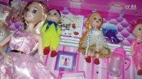 亲子过家家玩具03芭比娃娃甜心女孩、芭比公主百变造型亲子游戏 芭比娃娃公主换装换衣服套装大礼盒拆箱拆玩具超多衣服家具 开心时刻与玩具介绍 2016小猪佩奇游乐场