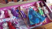 亲子过家家玩具05 芭比娃娃换衣服逛街 衣柜试衣服过家家游戏 儿童玩具挖土机 迪士尼芭比娃娃过家家玩具 开心时刻与玩具介绍2016小猪佩奇与芭比娃娃的游乐场