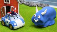 『奇趣箱』奇趣箱橡皮泥彩泥:橡皮泥怪兽来到玩具小镇,变形警车珀利拆开,发现是托马斯小火车。