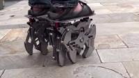 机械老爸给儿子的礼物,12条腿的跑步器,速度惊到你