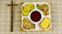 朝族人家聚会餐桌上的煎菜拼盘