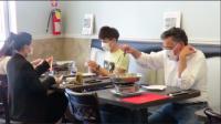 【毒角SHOW】愚人节玩票大的:带着整家餐厅狂整老外!