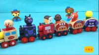 【玩趣屋海底小纵队玩具第一季】海底小纵队组装面包超人磁性木质小火车