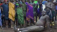 以胖为美的非洲部落,男人喝牛血增肥,越肥女人越喜欢!