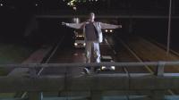 【宇哥】8分钟看完8.9高分冷门电影《天佑鲍比》少年跳入急驶的车群,罪魁祸首竟然是亲生母亲