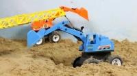 三台挖掘机视频表演大全 儿童大吊车儿工作视频从沙坑吊起挖掘机