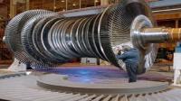 巨型发动机涡轮轴生产, 机械设备数控技术真的太强悍了!