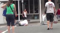歪果仁街头社会实验: 故意摔跤, 看路人的搞笑反应?