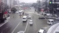 车祸离奇现场: 车子甩下司机后自己去找车位停车
