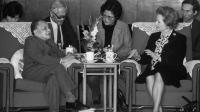 聆听历史回音: 邓小平对于处理香港和台湾的回答震耳发聩
