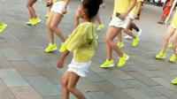 小舞霸引领广场舞队形, 现在的小学生越来越厉害了