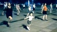 #认真一夏#4岁女孩舞步嗨翻天