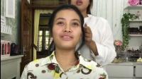 越南妹纸化新娘妆, 化妆师抹一斤粉后, 美的让人移不开眼