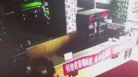 松原一月地震14次 小伙冲刺跨栏逃离房屋