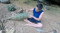 中国小哥丛林生存, 徒手编制鱼笼捕鱼