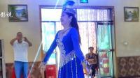 新疆舞-独舞.石河子佳丽舞蹈团团长莎拉在玛纳斯凤城麦西莱普舞友群联谊会上精彩表演