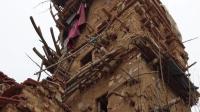 智障农民捡泥石块搭建7层土城堡