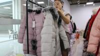 阿邦服装批发8.23-10冬装时尚中长款羽绒棉服带真毛领50件起批, 款式时尚