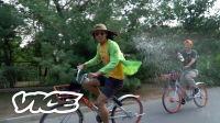 VICE 爱看 万能药师:对飙!共享单车环老山竞速