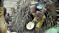 非洲最惨的部落: 8岁生孩子, 只能活到30多岁!