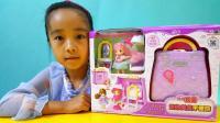 亲子游戏芭比娃娃美发手提包展示过家家玩具