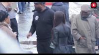 中国女孩在纽约 街头被黑人欺负, 结果路人看不下去了! 挺感动!