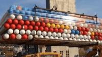突然发现德国人竟然用塑料球造房子, 真的可以吗?