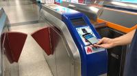 【爱范儿视频】用 iPhone 搭地铁,广州地铁支持苹果 Apple Pay