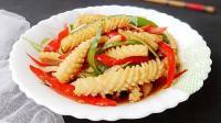 教你一道炒鱿鱼的家常版做法, 比铁板鱿鱼更好吃!