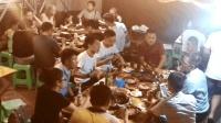 重庆街头探店, 沸腾的麻辣火锅, 如痴如醉的食客