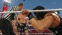 WWE击败送葬者的罗门伦斯居然被玩虐毫无还手之力! 那个对手太强