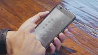 【爱范儿视频】背面电子墨水屏有何用途?YotaPhone 3 上手