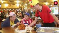 韩国人来中国旅游, 窑鸡外焦里嫩没吃就口水直流尝过后, 称美食还是中国最好!