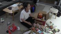 小伙带女友开始一场四万公里自驾游, 车里带的最多的竟是中国罐头