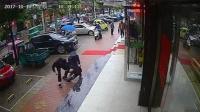 """警察观看嫌疑人盗窃视频多次 街头""""巧遇""""当即逮捕"""