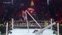 【TLC大赛 2015】大E臂力惊人举起铁梯 墨西哥双龙摔下铁梯