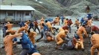 绝地求生电影版? 一群杀人犯孤岛吃鸡, 阿斗带你看懂《逃出冰魔岛》